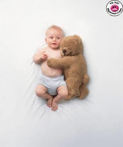 bebe et son doudou. Black Bedroom Furniture Sets. Home Design Ideas
